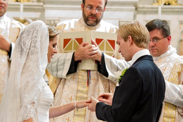 Misa Latin Tradisional PernikahanArchduke Imre dan ArchduchessKathleen.